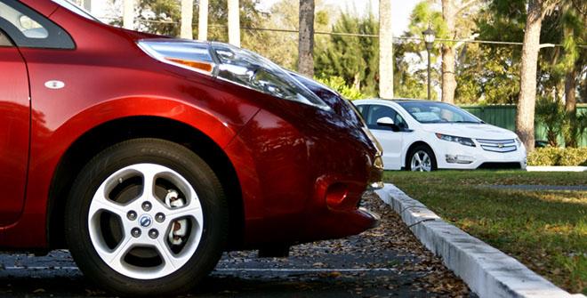 Nissan Leaf Chevy Volt